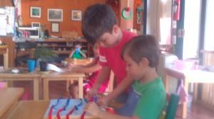 Mauricio ayudando a Paolo